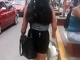 cum putita de vestido negro