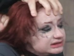 Redhead BDSM Facefuck und hartes Stampfen