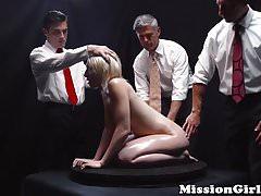 Babe Young Mormon oczyszczona masywnym creampie