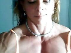 Tette muscolari latine