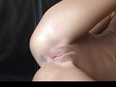 Niesamowite ciasne ciało nastolatka stwarzające w perłowym mikro bikini część 2