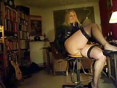 my voluptuous body and big legs in nylons showing fat ass