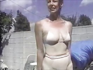 Vintage Threesome Pool vid: The pool boys