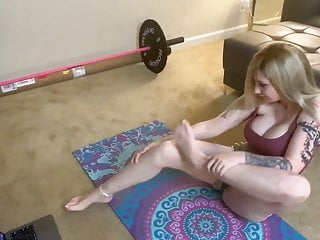 Big Tits Milf Upskirt video: Sexy Yoga
