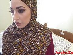 Babe musulmane pilonnée jizzed dans la bouche