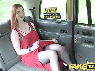 假的出租車橄欖皮紅發內衣