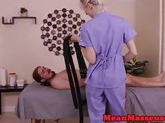Femdom cbt kochająca masażystka odskakuje od sub