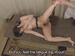 Subtitulado Servicio de sexo oral en masaje de clínica japonesa en HD.