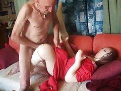 Uschi: Wixspiele con gambe divaricate