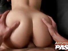 Sexe chaud et éjaculations pour Valerie Kay