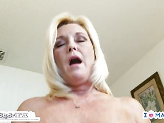 Porno video: Mommy Son Creampie