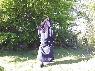 Public Nudity British video: Muslim Burqa Niqab stockings Outdoors Flashing