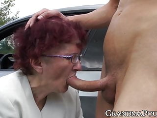 Big Cock Outdoor Facial video: Redhead grandma sucks off young stud at secret outdoor place