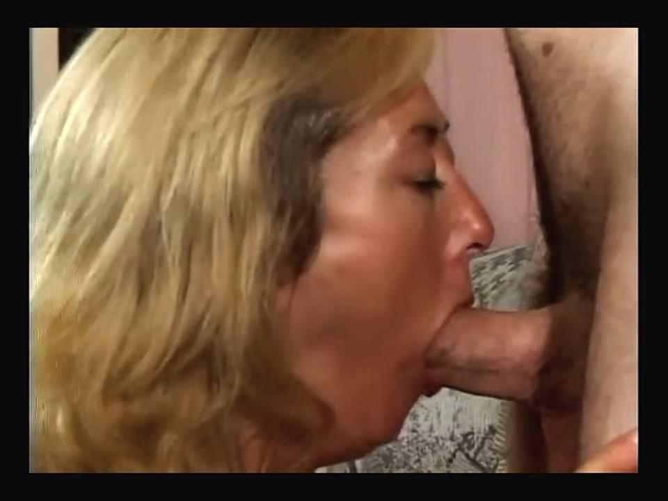 Порно видео с зрелыми женщинами в чулках