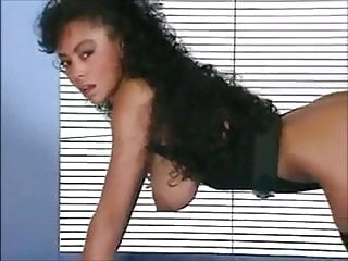British Tits Softcore video: THAT'S THE WAY - vintage ebony fitness beauty