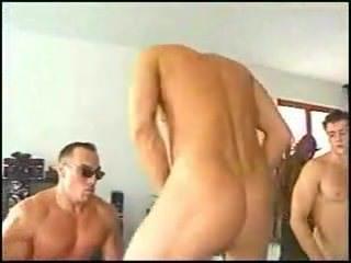 Видео зрелых женщин дрочка клитора