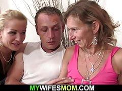 Chlupatá kundička zralá matka jízda svého manžela penis