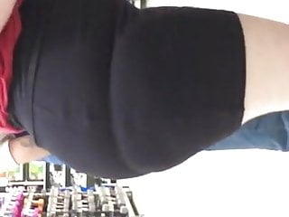 Mega huge pawg in skirt omfg wtf