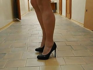 girl in the office1
