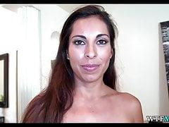 Pervers sur ma nouvelle femme de ménage latina