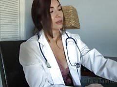 Přiveďte svého syna do pracovního dne Máma je doktor penisu!