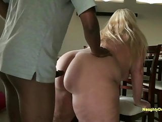 Blondes Bbw video: A big curvy ass you just cannot resist