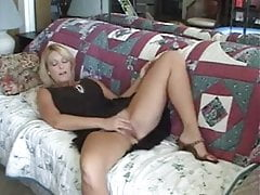 Dirty Talking Teasing Cougar