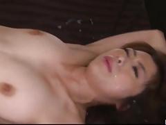Seks gangbangowy Maki Hojo w surowych scenach biurowych