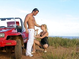 .Hero Stud Fixes Blonde's Jeep And Gapes Her Ass.