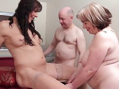 Hot thesome z tranny