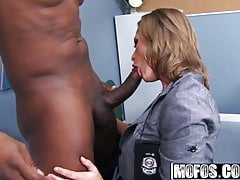 Melissa Rose - Ufficiale MILF Dirty Cop - Milfs Like It Black
