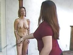 Titten tortur Biczowanie piersi