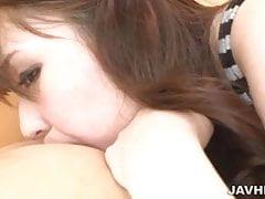 Kogut ssący z marnym japońskim modelem Aya Eikura