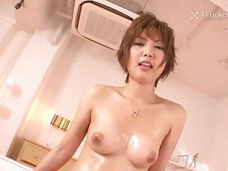 Sayuri Ito在早晨未經審查的JAV採取公雞