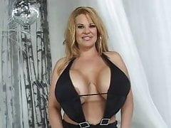Crystal - Riesige Brüste