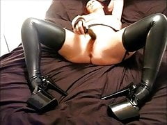 dirty mature latex slut pleasures herself