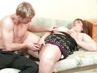 YOUNG BOY SEDUCE BBW BIG TITS STEP MOM TO GET FIRST FUCK