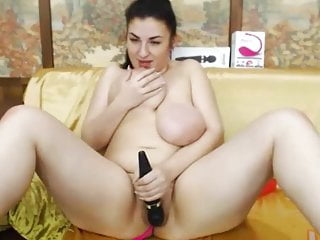 Teen Webcam video: Fat and beautiful young girl Sheiladream