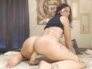 Sex Toys,Butt,Shakes,Seductive,Big Butts,Hd Videos,Brunette Dildo,Butt Dildo,Oiled Butt
