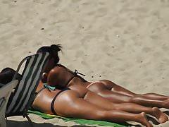 spiaggia assolata