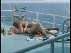 Gina Janssen e le migliori scene di 5 ragazze heiss