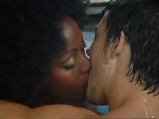 Black And Ebony Amateur movie: UK Big Brother 6 - Makosi And Anthony Have Sex In The Pool