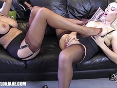 Lésbicas grandes mamas puta nylon footjob porra masturbação orgasmo