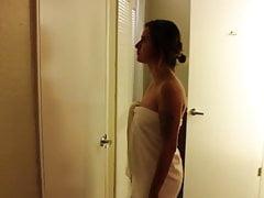 VORE - Latina w ręczniku jest zirytowana i zjedzona