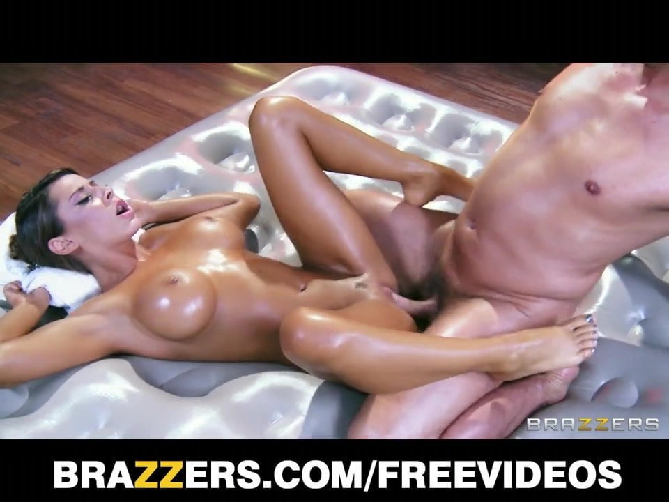 madison ivy gives her customer a passionate sensual massage