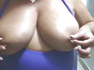 Amateur Nipples video: Suzy, Tweaking Her Huge Nipples