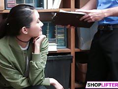 Sweety Jade Ma Slamm Z Oficerem Za Kradzież