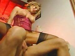 Vintage Italian MILF makes cum her boy