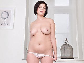 Milfs Striptease Milf video: Euro milf Nicol rubs her neatly trimmed pussy