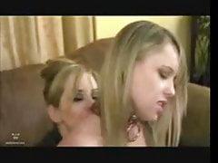 Mama pieprzy przyjaciela córki